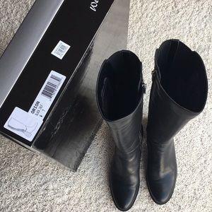 Aquatalia Orion Boots.      Size 7W